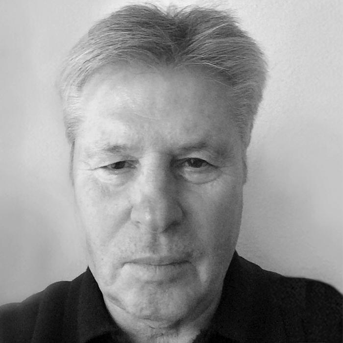 Peter Ponesch Portrait